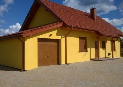 Dom z drewna w okolicach Kunowic