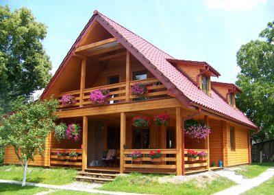 Dom z drewna w okolicach Zielonej Góry